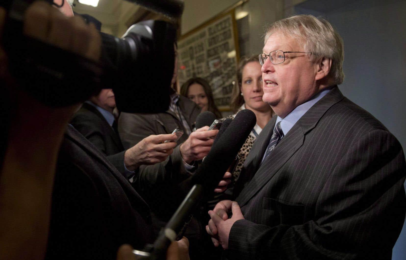 Le ministre Barrette a signé une entente avec les médecins qui met le projet de loi 20 en suspens jusqu'en 2017. Plusieurs accusent le projet de loi controversé d'être à l'origine des désaffiliations.
