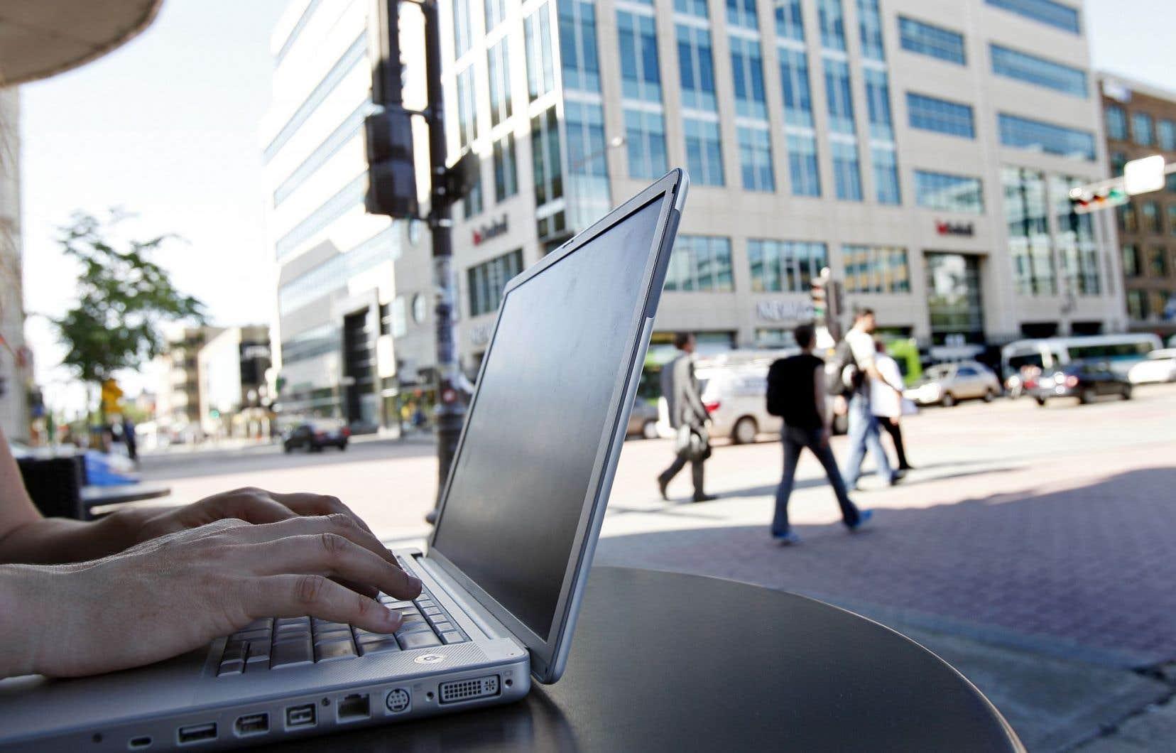 Le gouvernement est aux prises avec des attaques ayant perturbé les sites Internet de plusieurs agences fédérales.