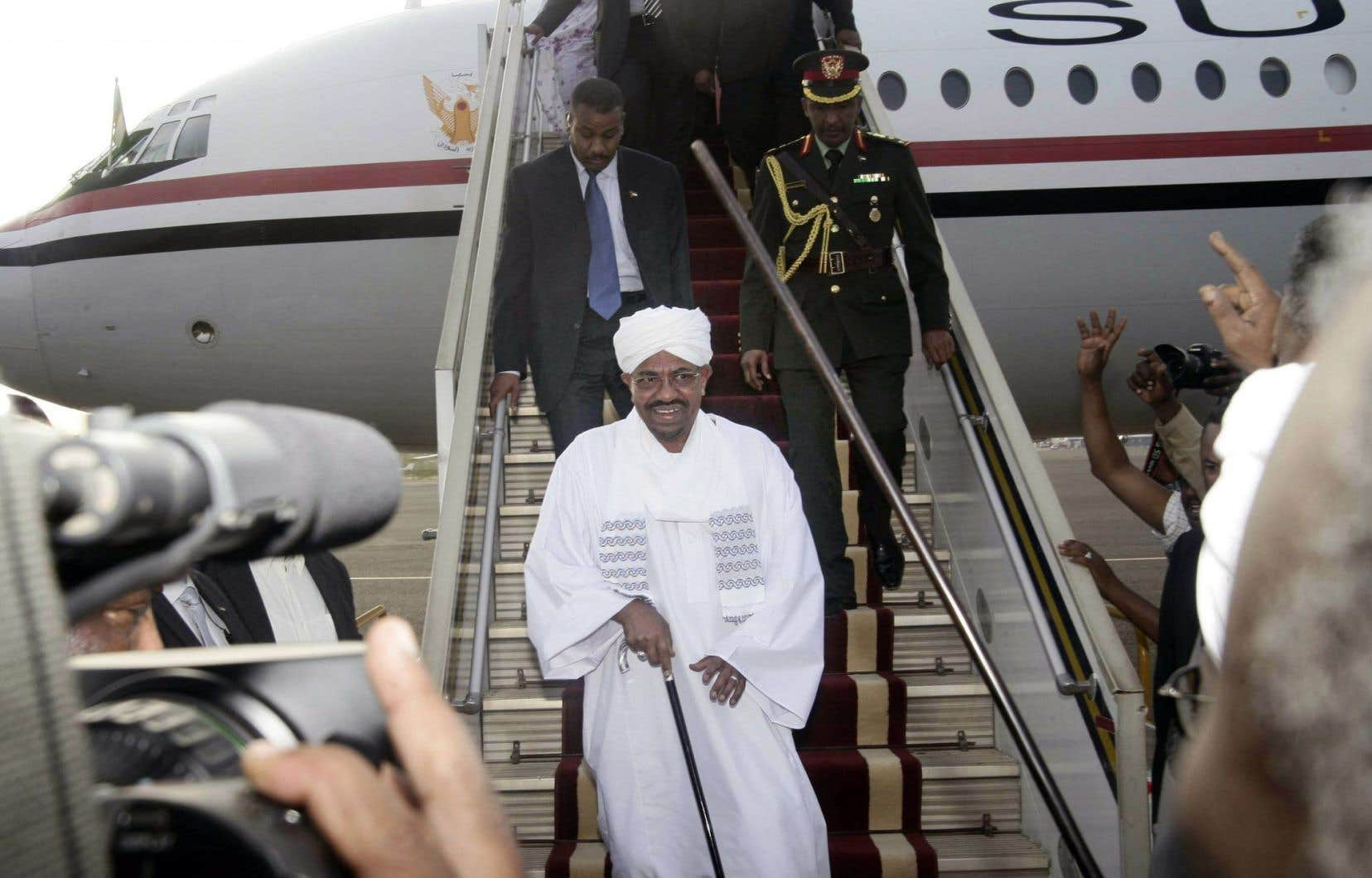 La visite d'Omar el-Béchir à Nouakchott intervient quelques semaines après celle en Afrique du Sud.