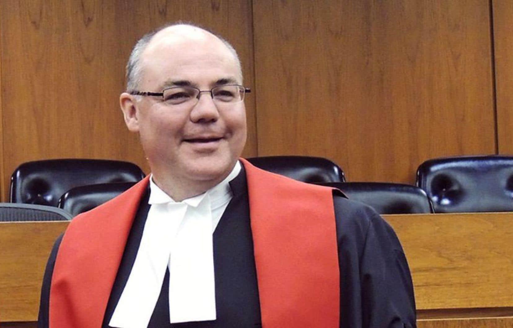 Au lendemain de la nomination du juge Russel Brown, de nombreux groupes francophones ont cherché à savoir s'il pouvait entendre des causes en français.<br />