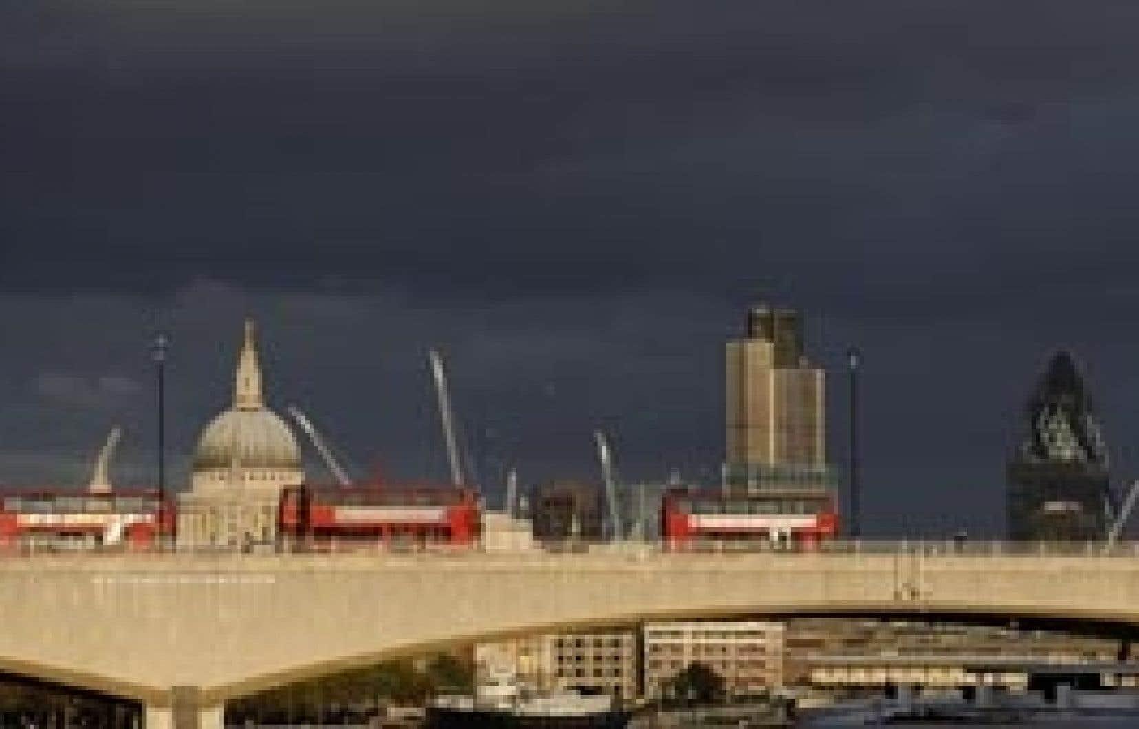 Les Britanniques, qui abritent le principal centre financier européen, la City de Londres, continuent à avoir des réserves sur les grands principes de la réforme.