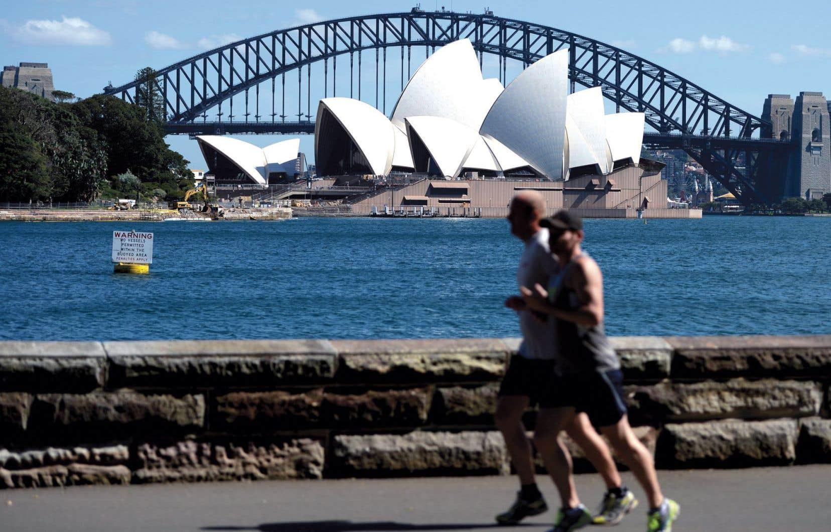 La maison de l'opéra et le pont Harbour à Sydney, en Australie.