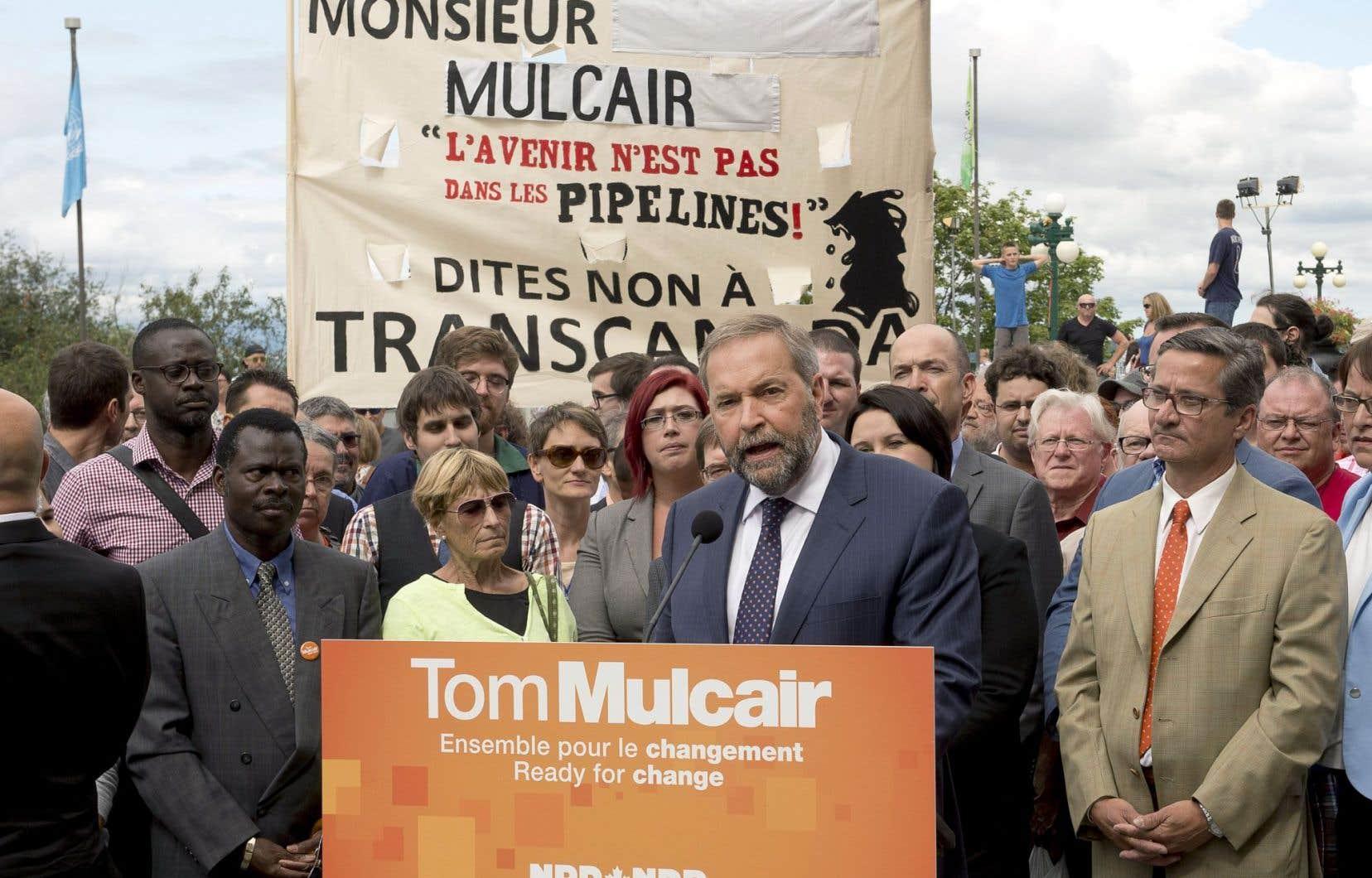 Des manifestants ont dénoncé mercredi la position du NPD par rapport au pipeline de TransCanada.