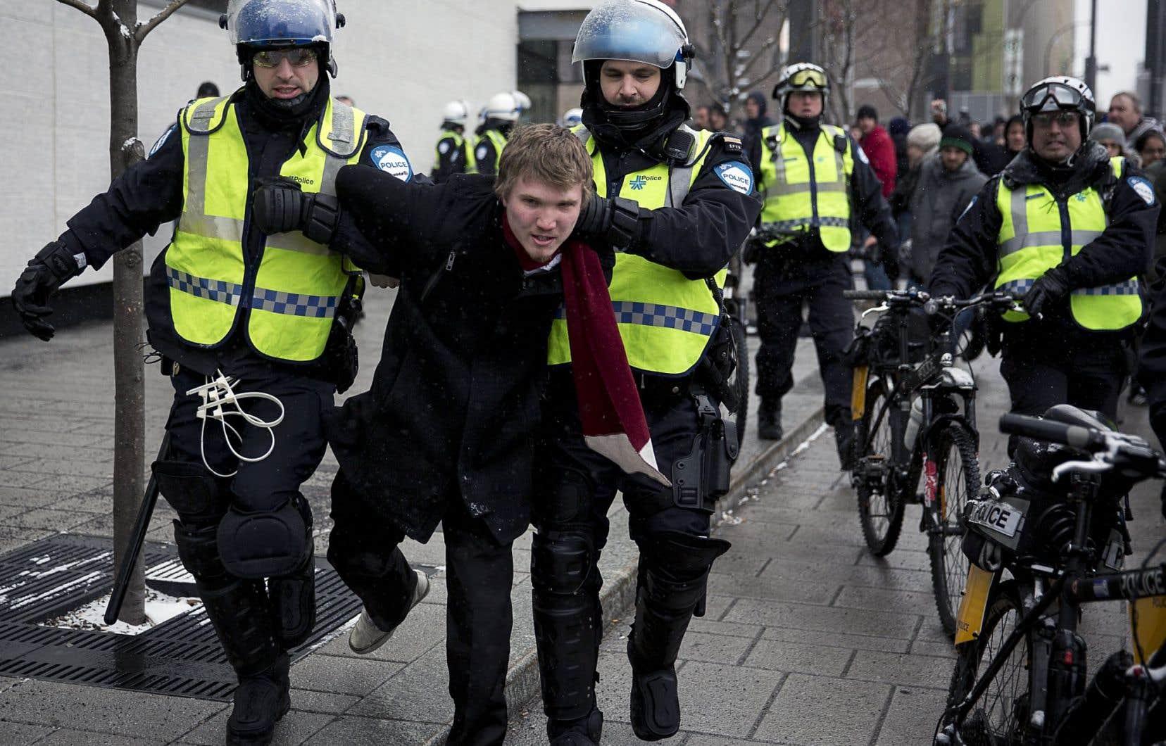 Le 15 mars 2013, la manifestation du Collectif opposé à la brutalité policière a été interrompue dès le départ par le SPVM.