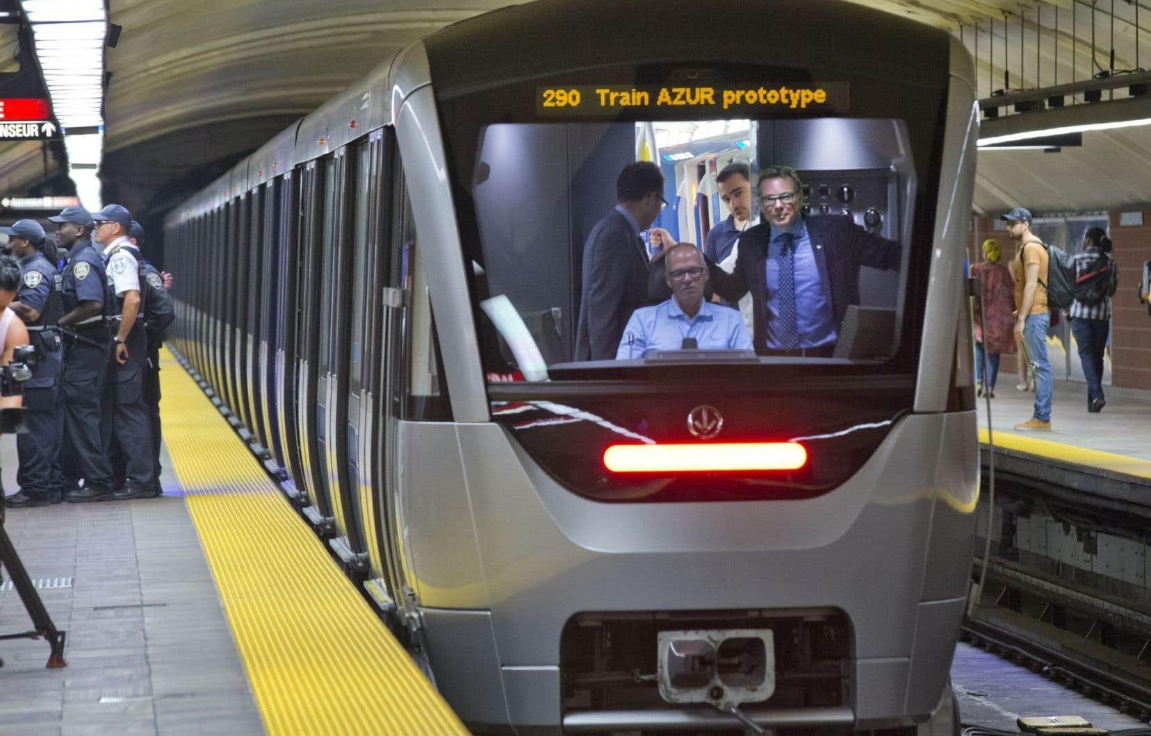 Les Trains Azur Roulent Dans Le M 233 Tro Le Devoir