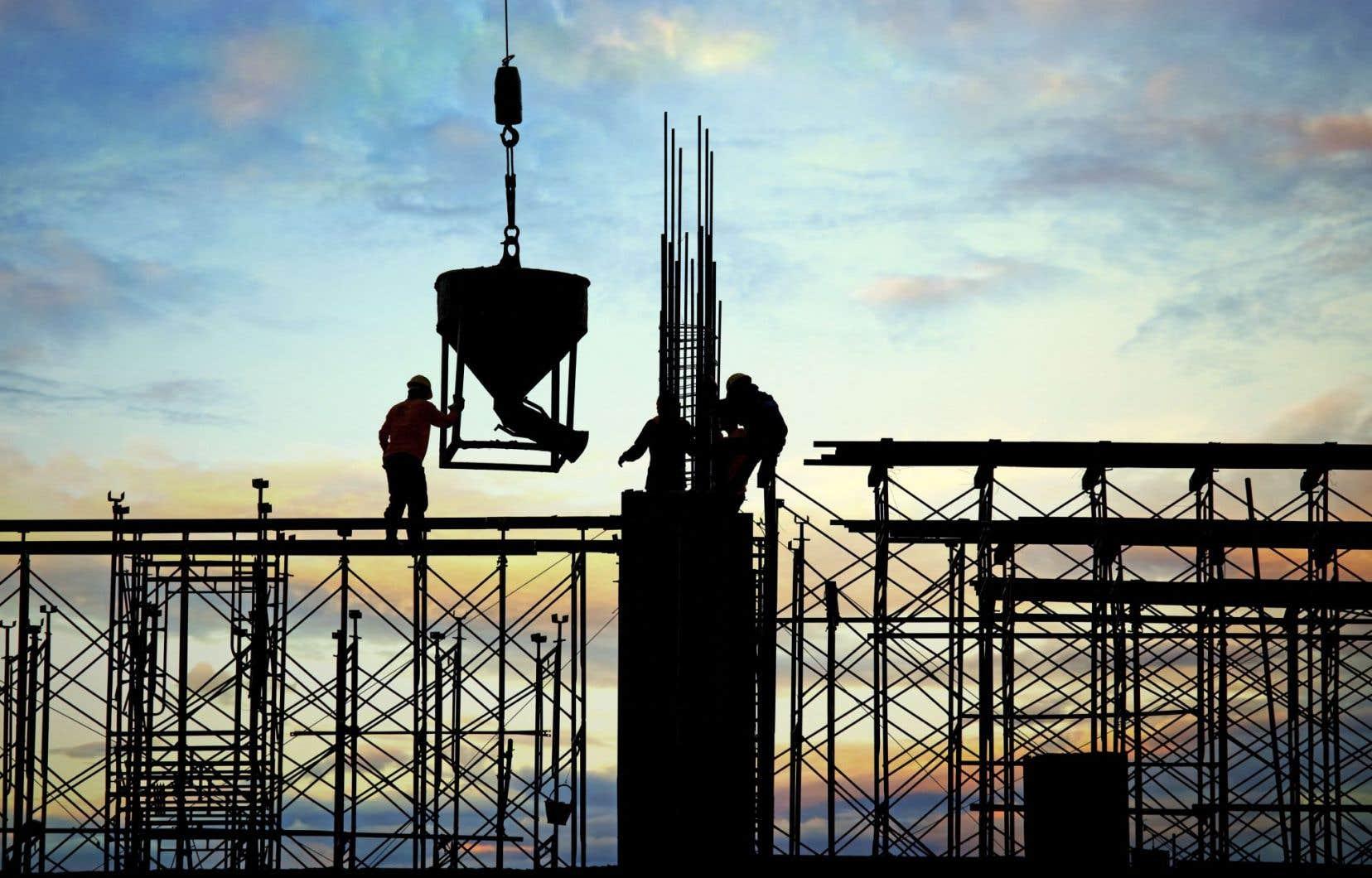 Le chef libéral Justin Trudeau affirme que les investissements en infrastructures stimuleront l'économie, ce que le chef conservateur a été à son avis incapable de faire au cours des dernières années.