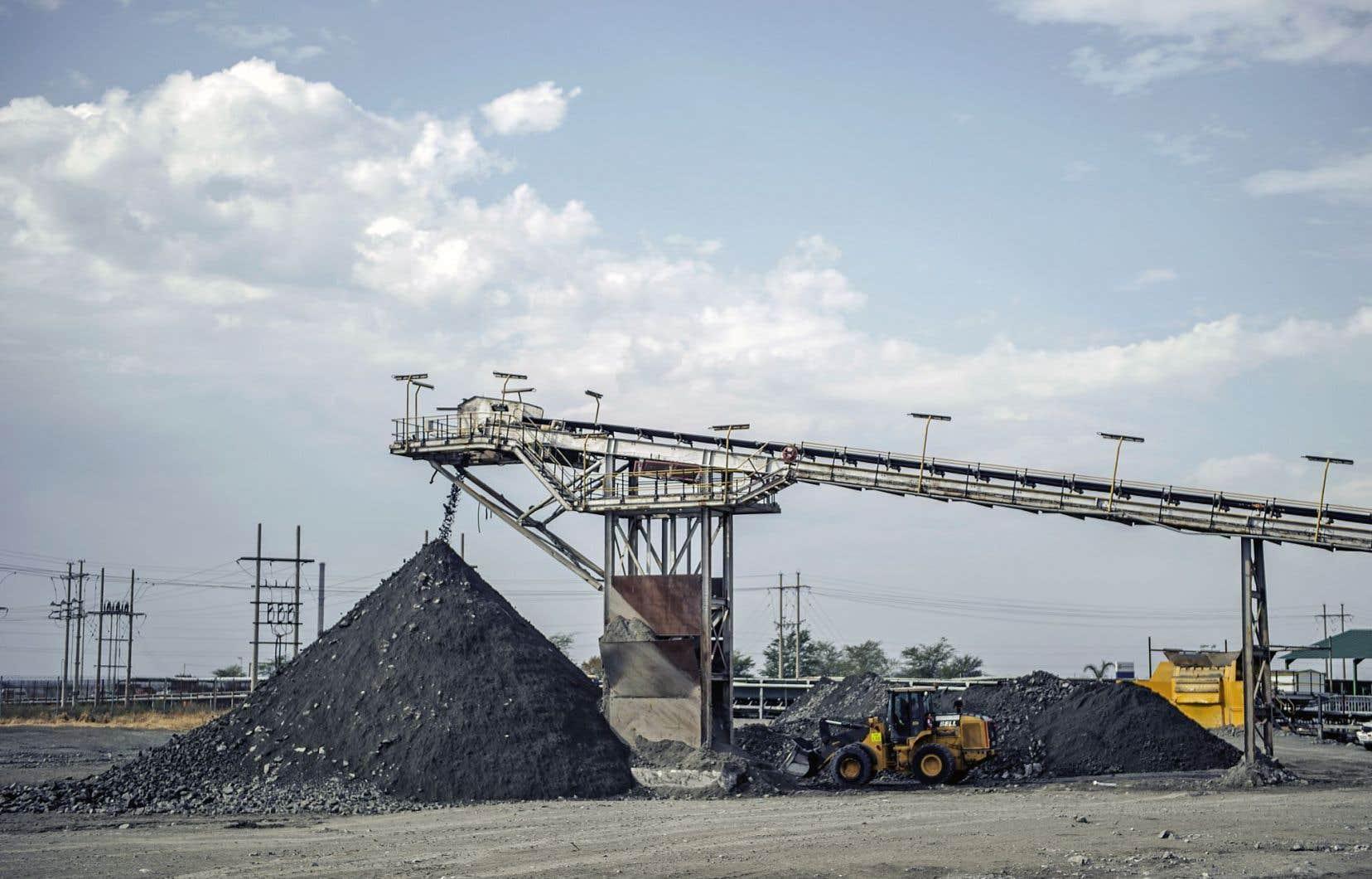 Le secteur minier représente une manne financière pour l'Afrique du Sud, mais la crise chinoise entraîne une diminution des exportations vers ce pays.