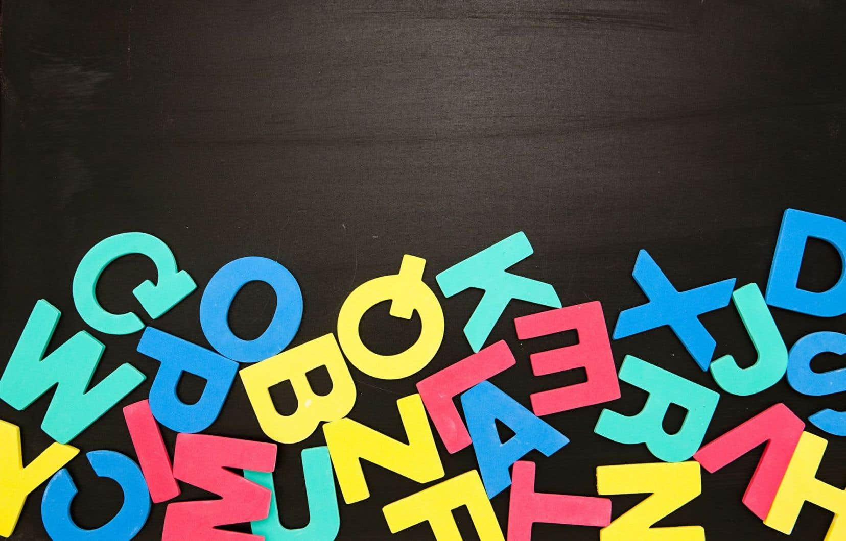 «Il faut se rendre à l'évidence: l'école ne réussit pas avec tout le monde et c'est un problème», critique la responsable au développement d'analyses et de stratégies au Regroupement des groupes populaires en alphabétisation du Québec (RGPAQ), Caroline Meunier.