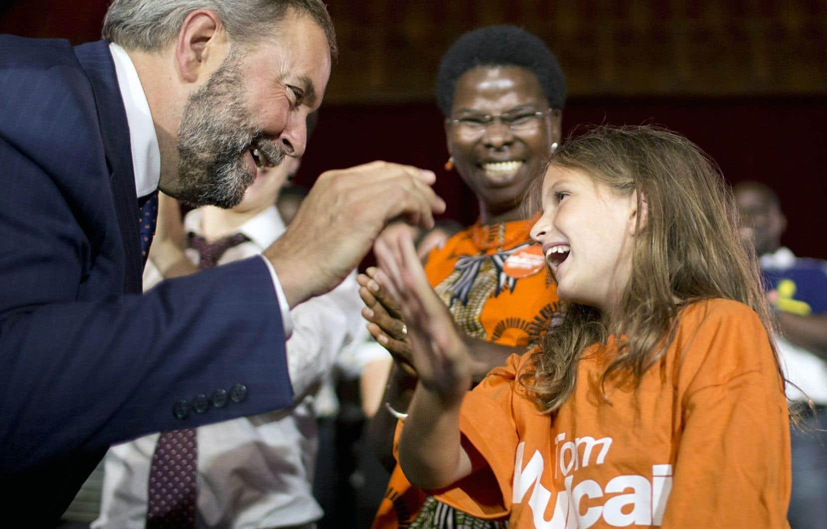 L'investiture de Thomas Mulcair dans Outremont permet au NPD de boucler la liste de ses 78 candidats québécois en vue de l'élection du 19octobre.
