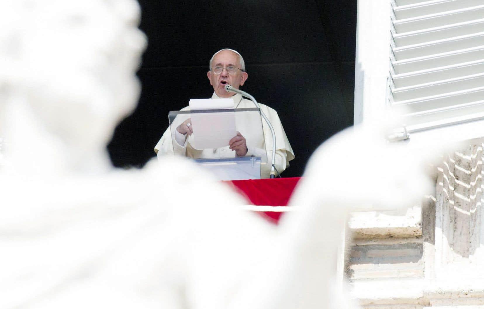 Dimanche, lors de l'angélus, le pape François a invité les paroisses, les couvents et les monastères catholiques d'Europe à accueillir des familles de réfugiés.