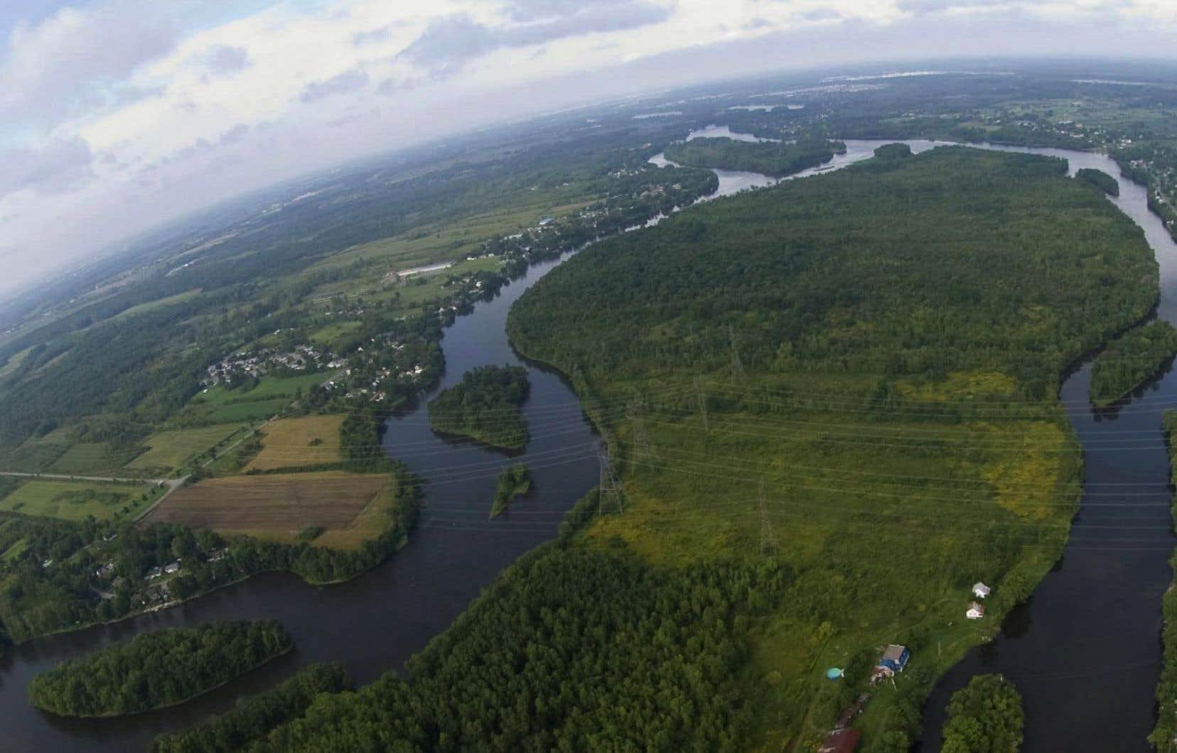 L'île aux Vaches, dans la rivière des Mille Îles. Le pipeline Énergie Est franchira cette rivière qui sépare Laval de la Rive-Nord.