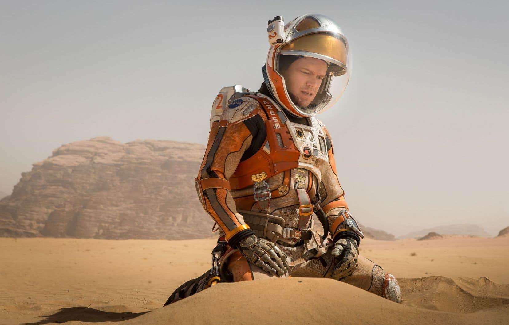 Matt Damon joue un astronaute laissé sur la planète rouge par ses équipiers d'une navette spatiale dans «Seul sur Mars».