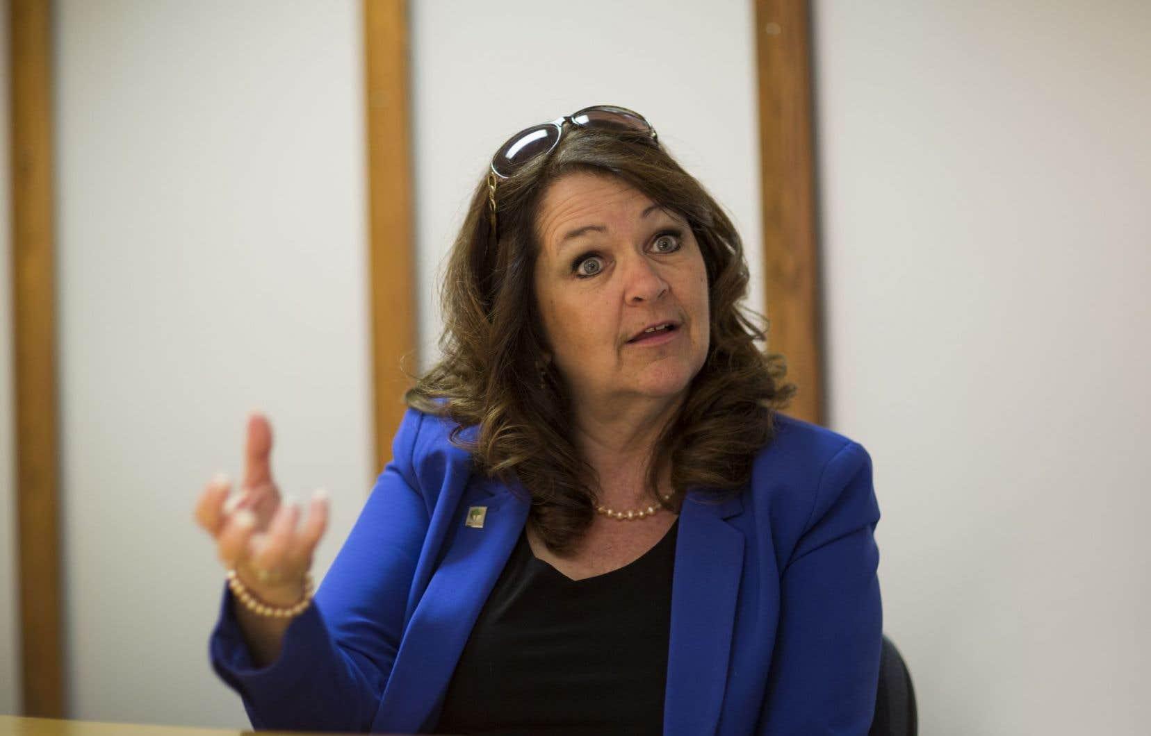 La présidente de l'Union des municipalités du Québec, Suzanne Roy, espère que <em>«les discussions se traduisent par des gestes»</em>.