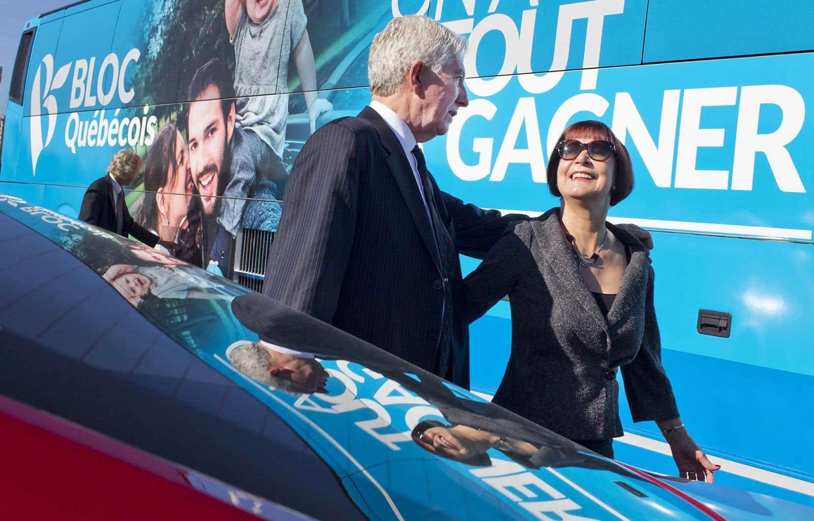 Le chef du Bloc québécois, Gilles Duceppe, était à Longueuil avec sa conjointe, Yolande Brunelle, pour une annonce au sujet de l'électrification des transports.
