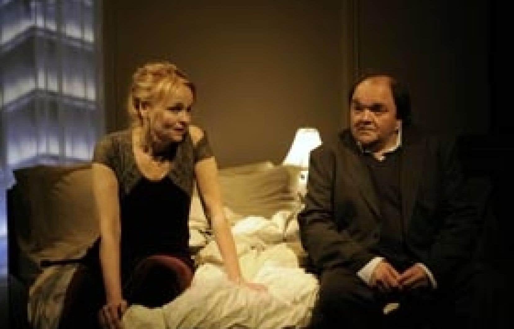 Photo Valérie Remise Un des couples de la pièce Hôtel Pacifique, Monique Spaziani et Benoît Dagenais.