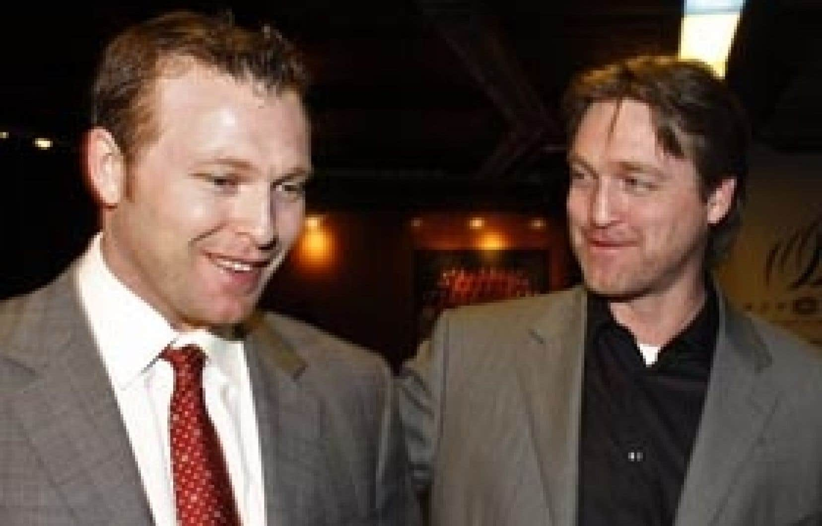Martin Brodeur a égalé le record de victoires de Patrick Roy, samedi. Bon joueur, Roy a félicité le gardien des Devils du New Jersey après la rencontre.