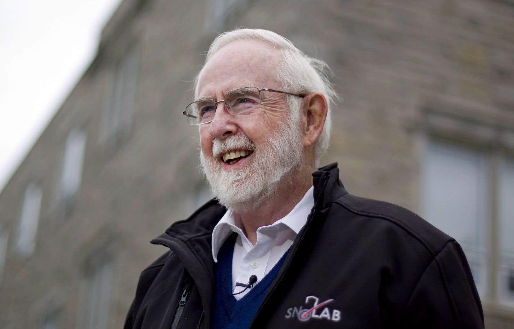 Le Canadien Arthur McDonald vient de remporter le prix Nobel de physique, qu'il partage avec le Japonais Takaaki Kajita.
