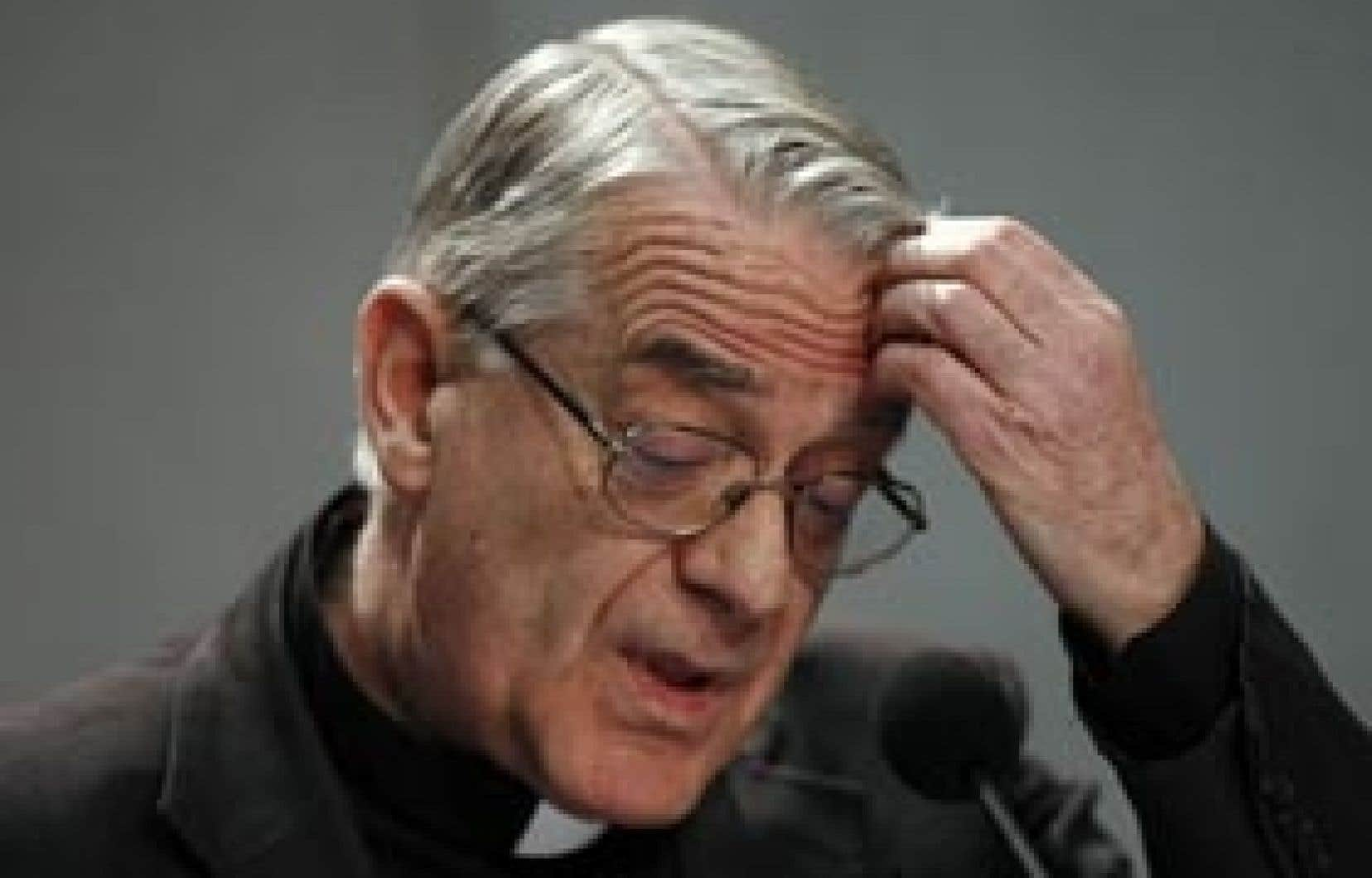 Le porte-parole du Vatican, le père Federico Lombardi, a eu du mal à expliquer, la semaine dernière, la position du Vatican dans l'affaire de la réhabilitation des évêques de la Fraternité Saint Pie X, excommuniés par Jean-Paul II.