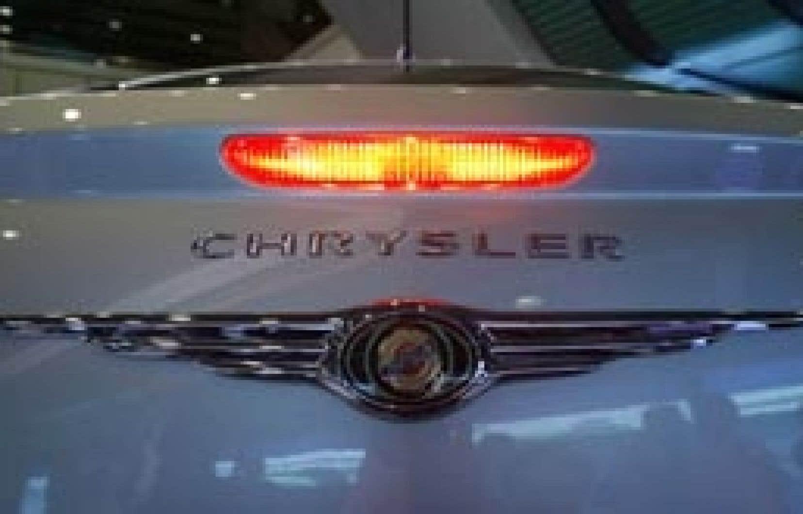 Chrysler mériterait de se faire botter le derrière hors du Canada une fois pour toutes, et c'est sans doute le sort de ses 10 000 travailleurs canadiens qui retient les gouvernements de le faire.