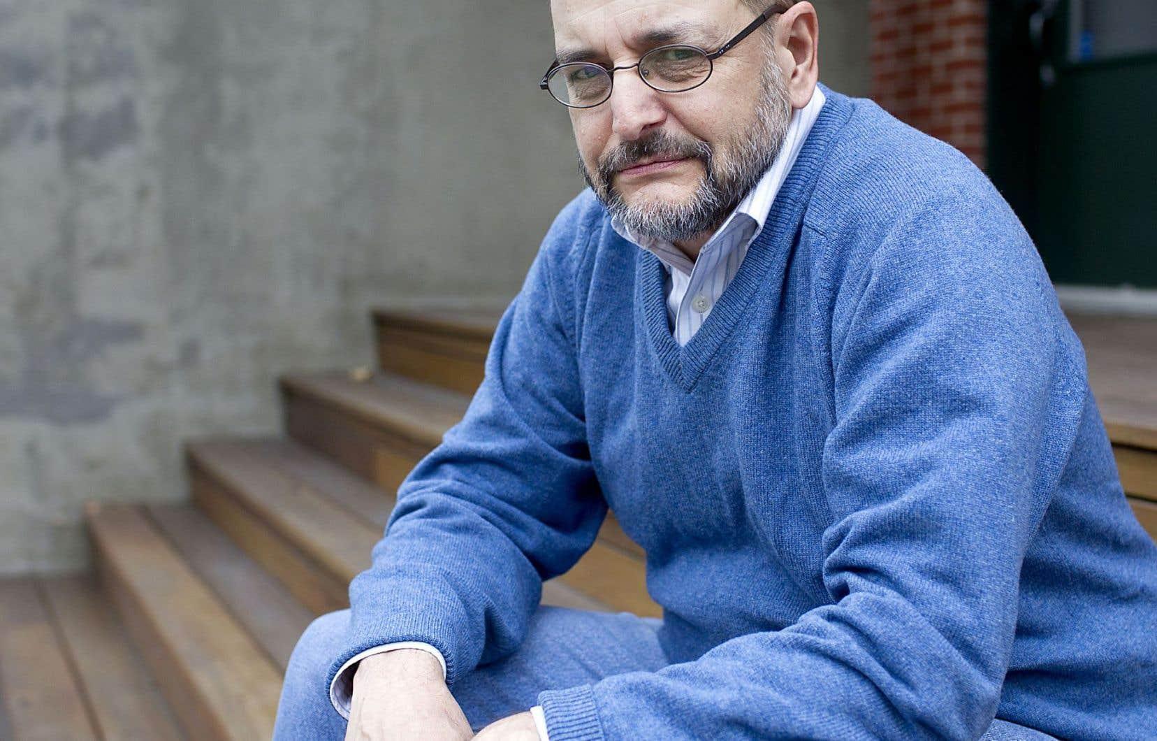 L'essayiste Benoît Melançon s'attaque aux préjugés sur la langue avec humour et intelligence dans son plus récent livre intitulé «Le niveau baisse!».