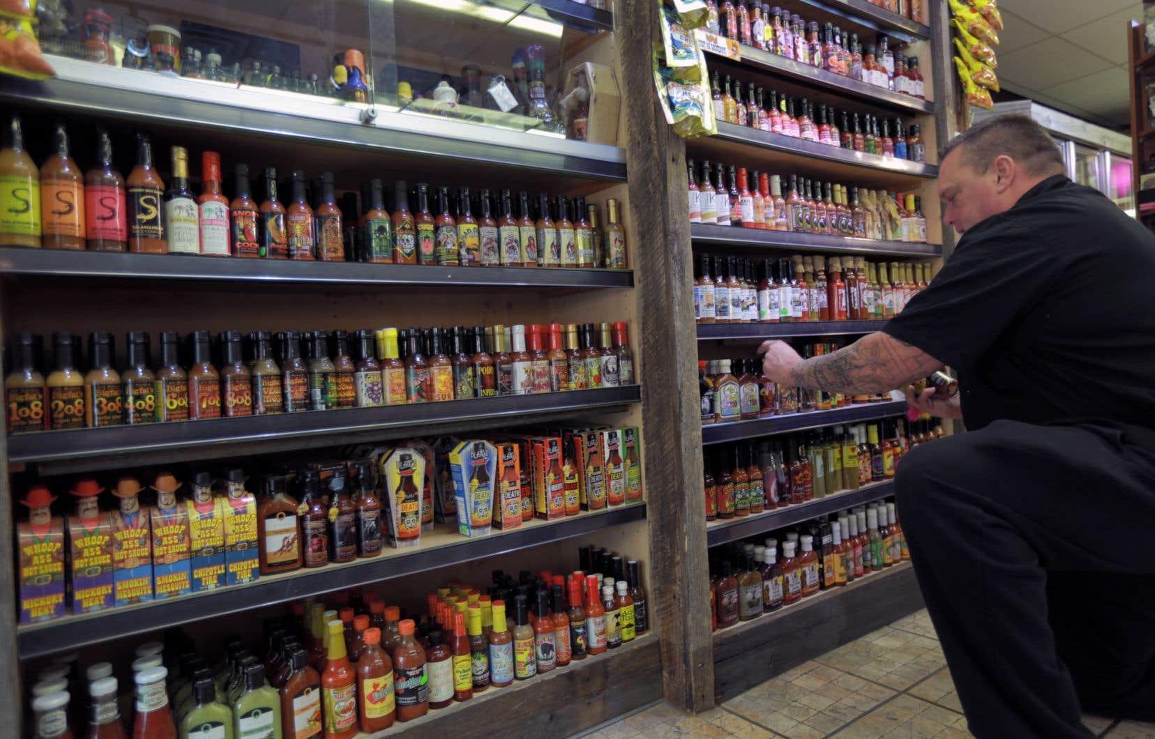 Le ketchup doit désormais partager les tablettes des marchés avec une immense variété de sauces piquantes.