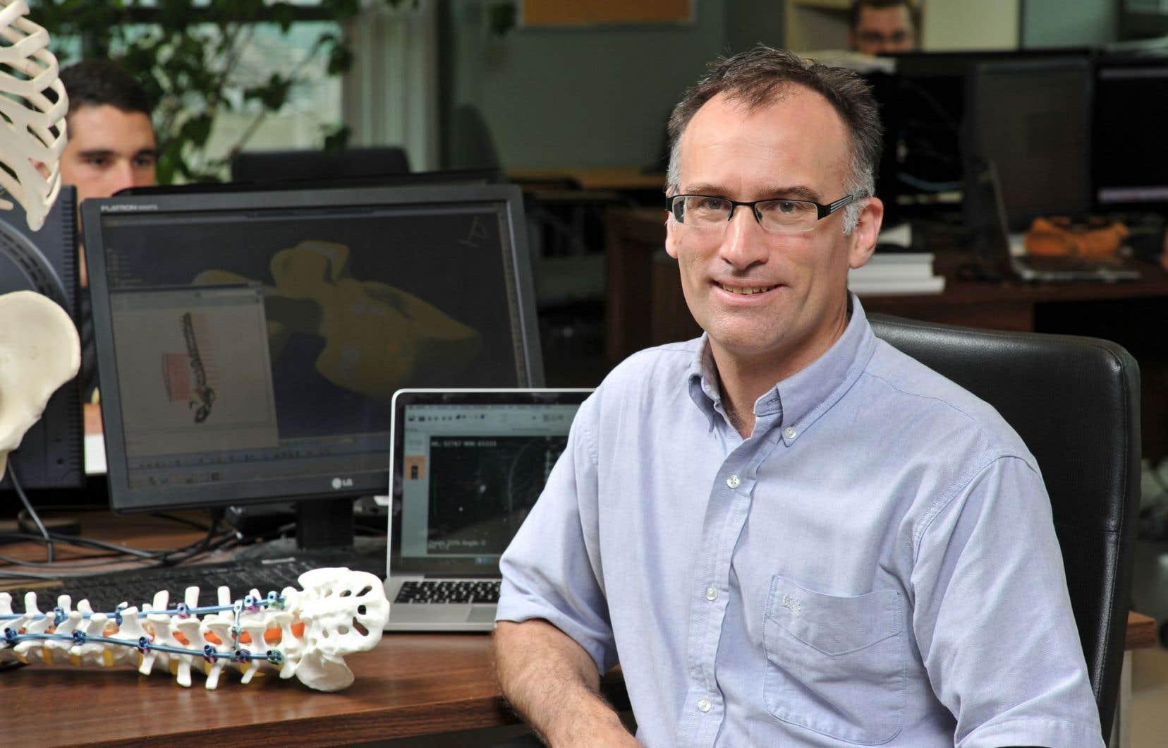 Carl-Éric Aubin est le lauréat du prix Jacques-Rousseau pour la multidisciplinarité.