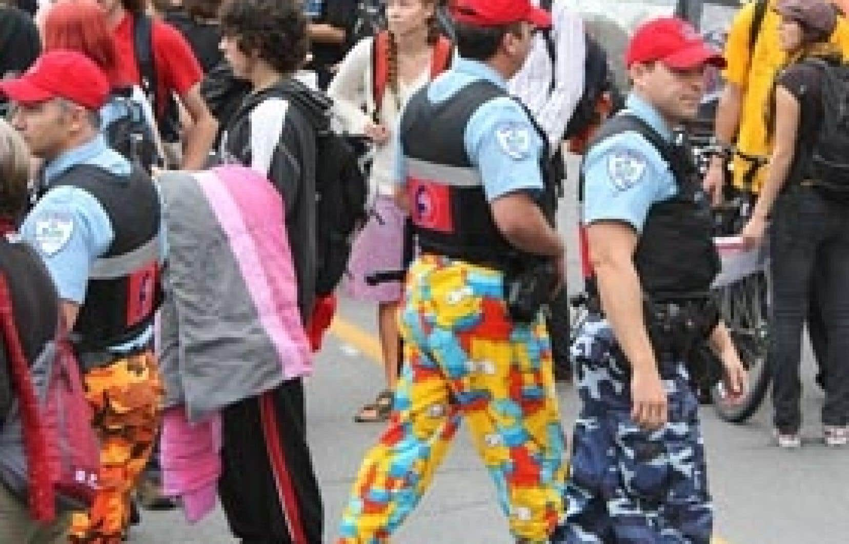 La direction du SPVM demandait pour dimanche une trêve du moyen de pression, alors que se tiendra à Montréal une manifestation du Collectif opposé à la brutalité policière.