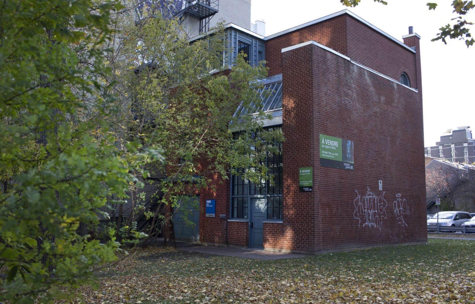 L'édifice qui abritait l'atelier de l'architecte Ernest Cormier est situé au 3460, Saint-Urbain, à Montréal.