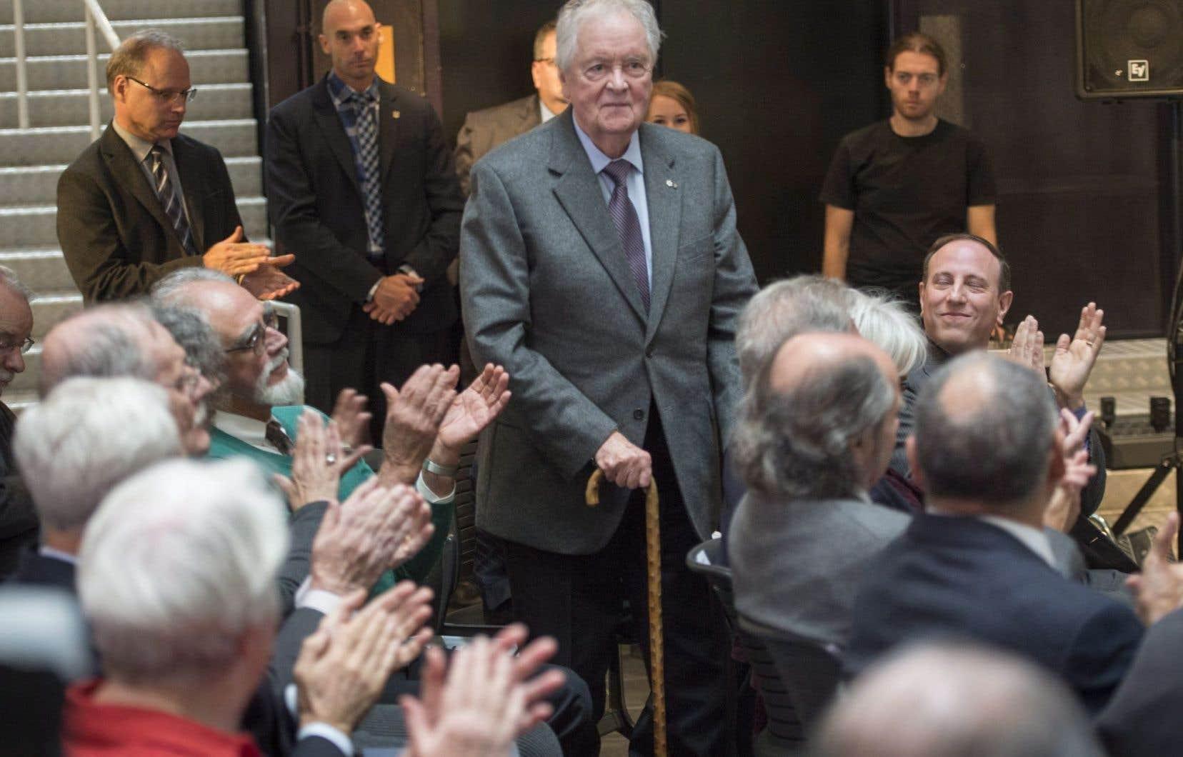 Le réalisateur, metteur en scène et producteur Jean Bissonnette a reçu le prix Guy-Mauffette.
