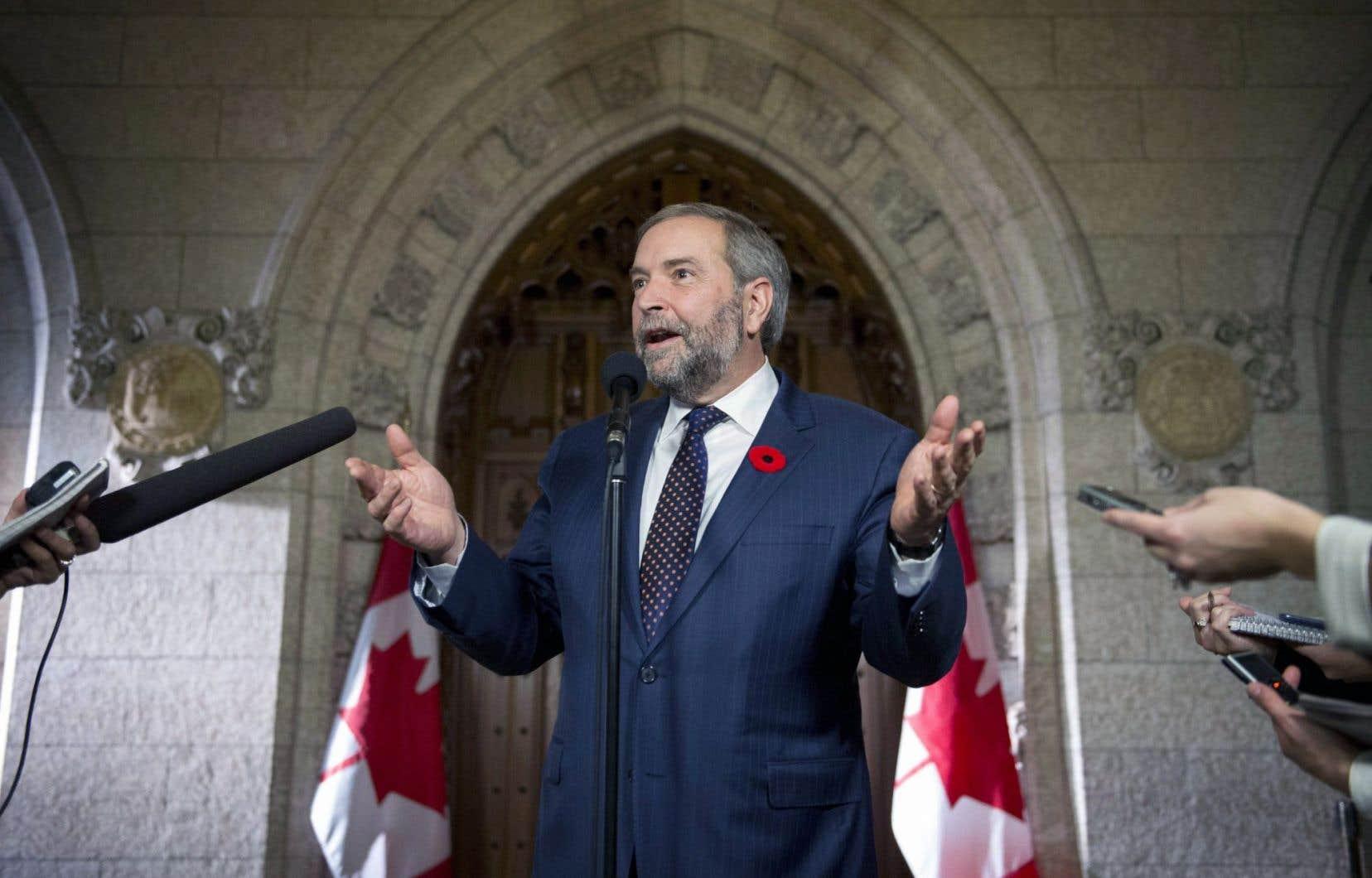 Thomas Mulcair s'est défendu d'avoir voulu éviter la couverture médiatique en tenant sa première sortie publique depuis l'élection le jour de l'assermentation du gouvernement Trudeau.