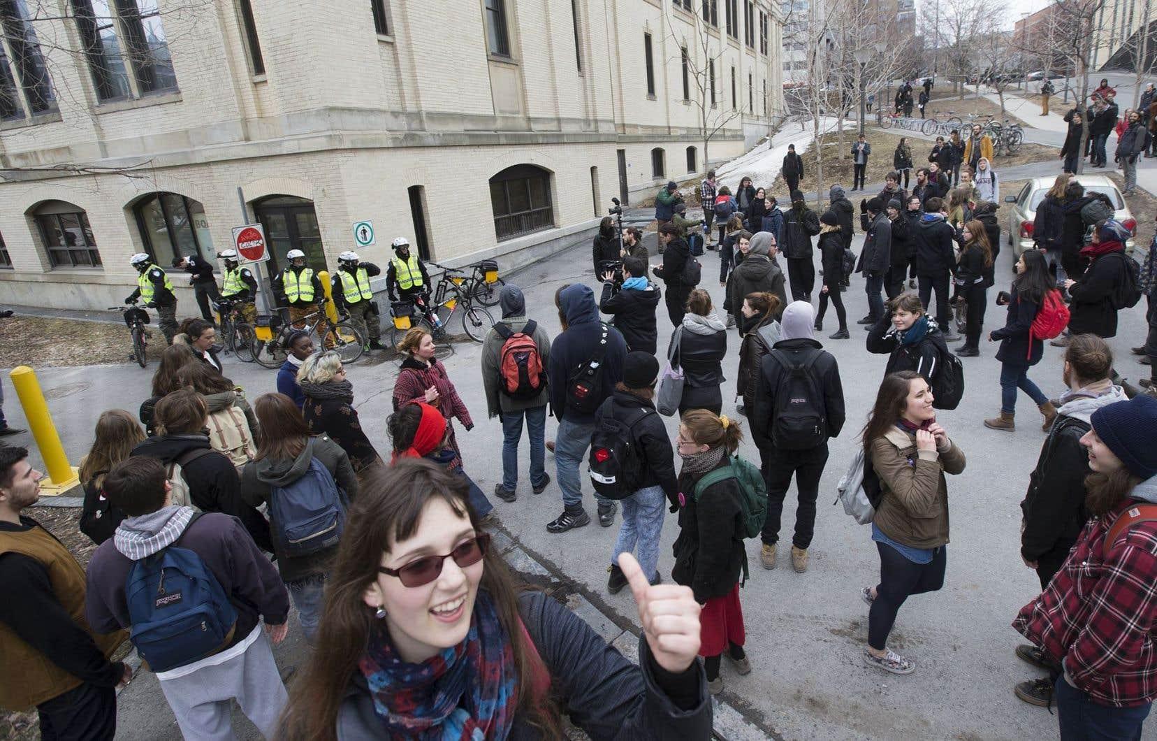 L'ASSE invite les étudiants dans la rue pour protester contre l'austérité.