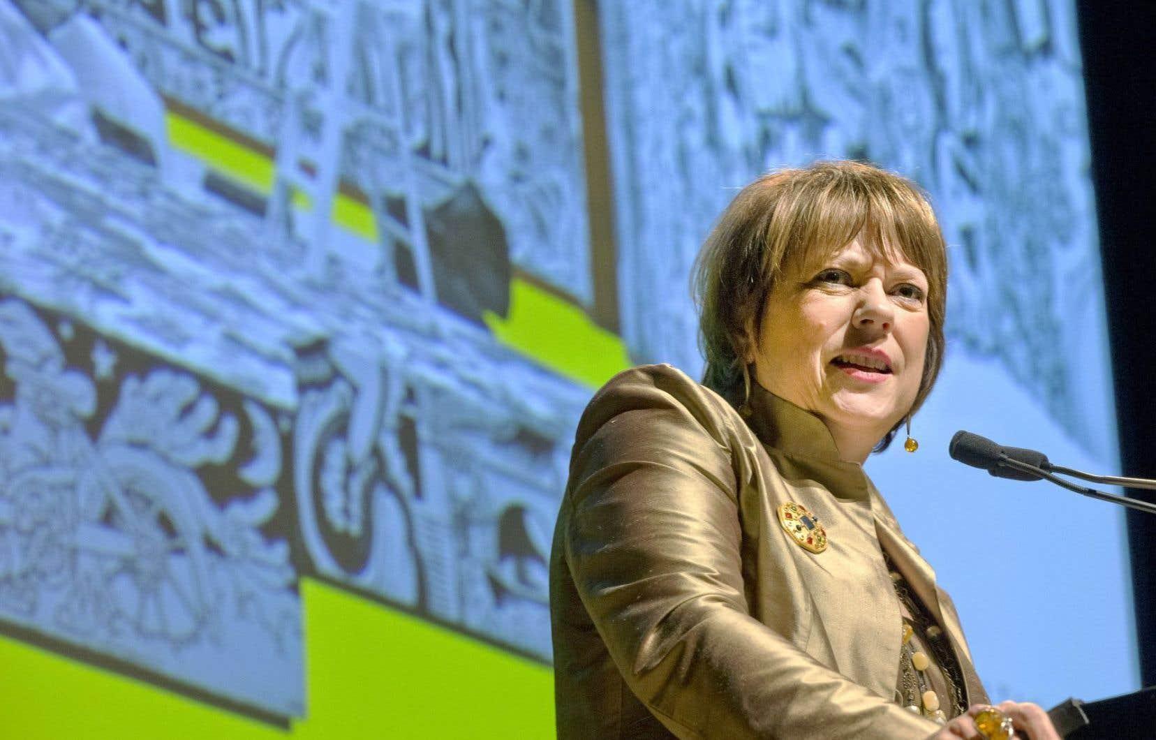 La ministre de la Culture et des Communications, Hélène David, était de la longue liste des ministres qui s'étaient déplacés lundi soir pour l'annonce du Musée des beaux-arts et de l'éditeur et philanthrope Michel de la Chenelière.