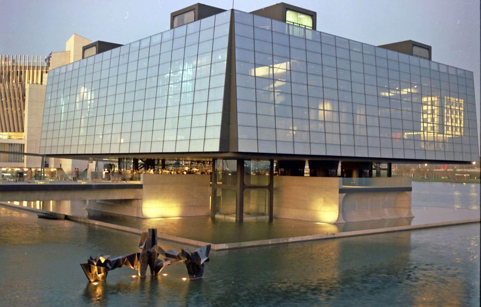 Transparence du pavillon du Québec à l'Expo 67. Non daté (c. 1967). Série Office du film du Québec/Pavillon du Québec à l'Exposition universelle de Montréal.