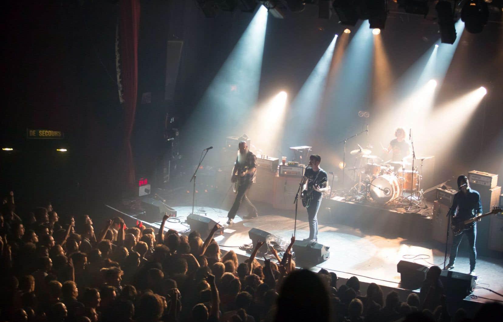 Le groupe américain Eagles of Death Metal en spectacle le vendredi 13novembre, quelques instants avant l'attentat au Bataclan