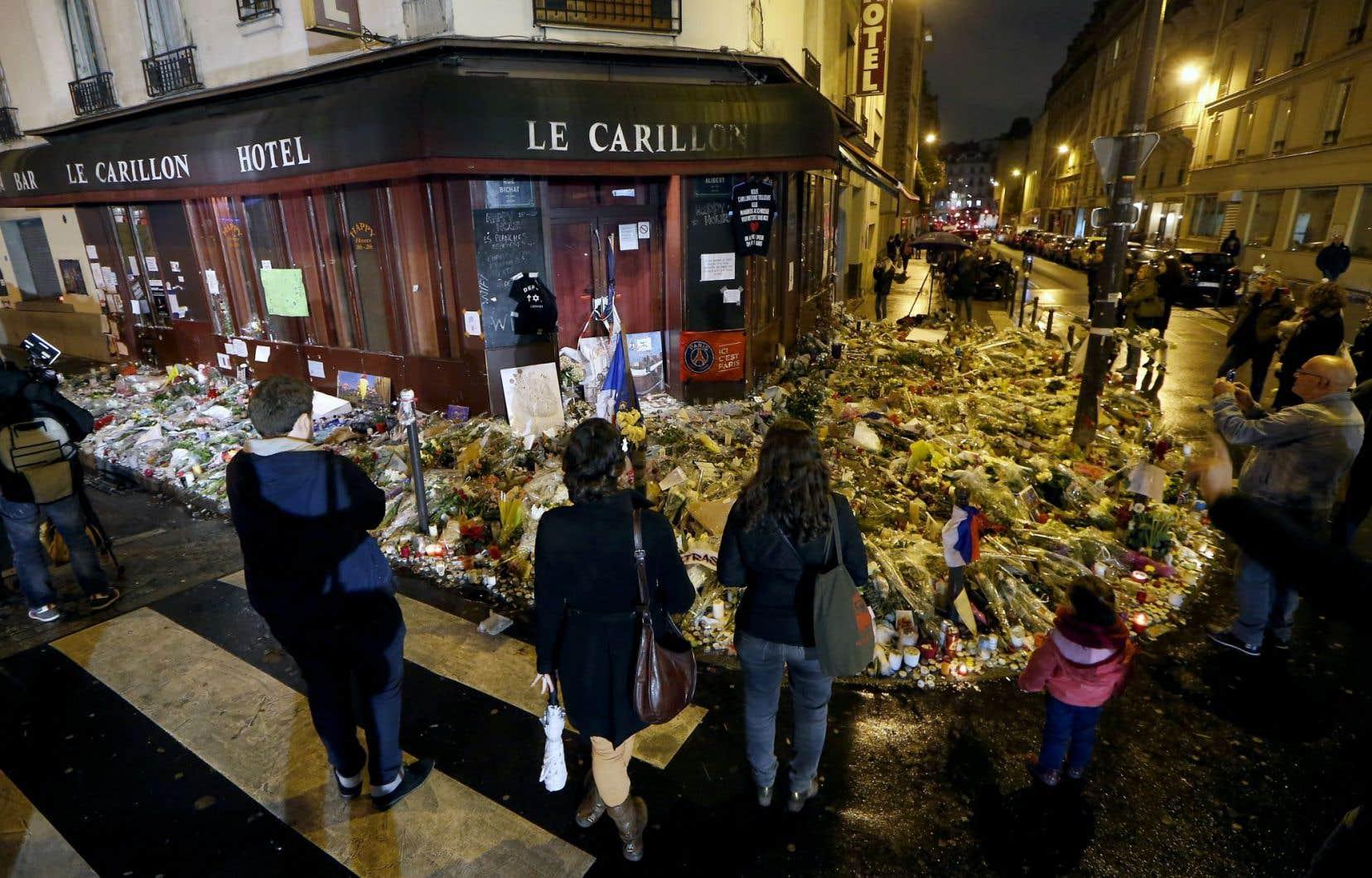 Paris est encore sous le choc après les attentats d'il y a huit jours.