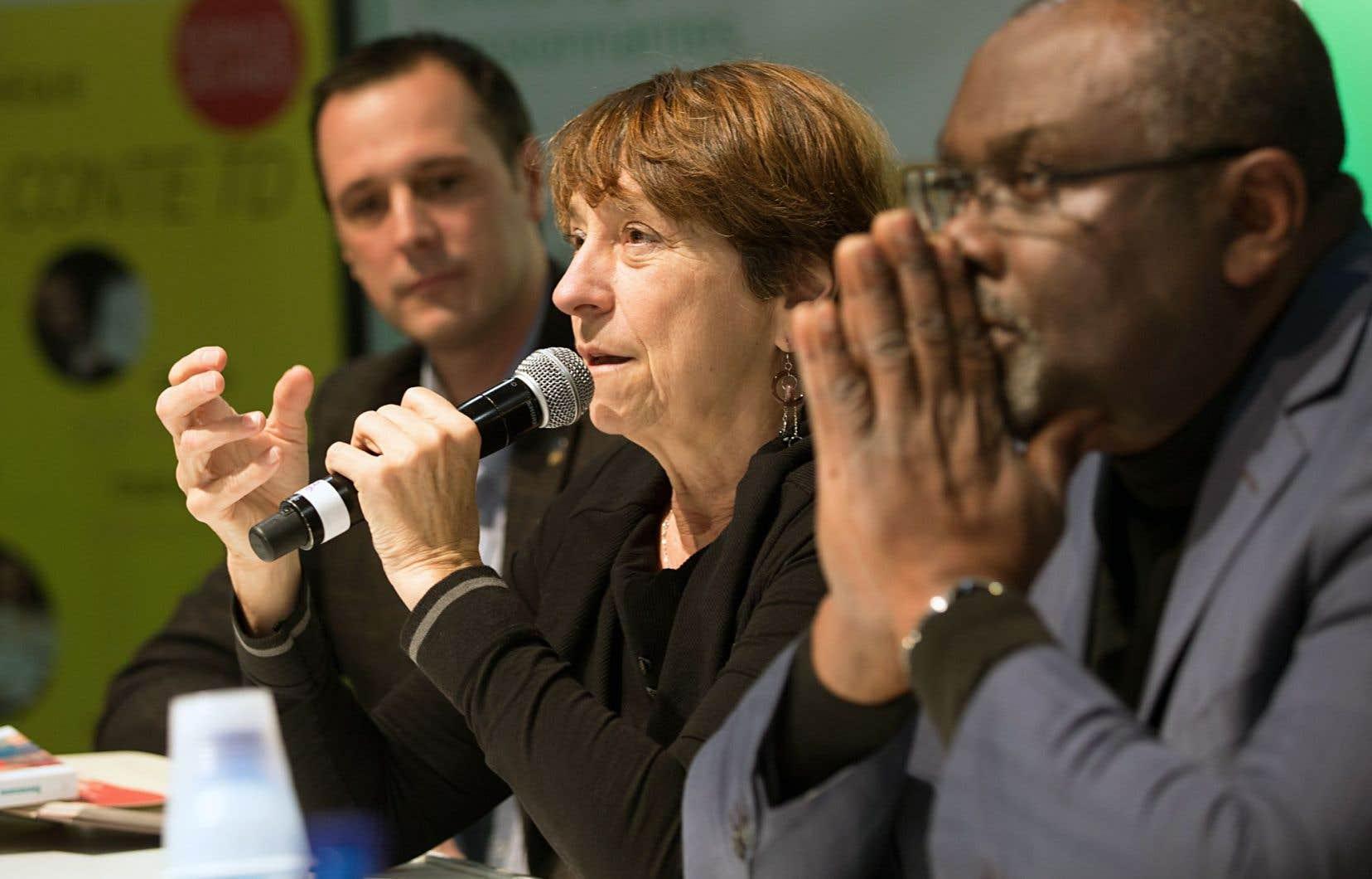 De gauche à droite, Jean-François Roberge, Françoise David et Maka Kotto. La quatrième invitée à cette table ronde, la ministre de la Culture, Hélène David, n'apparaît pas sur la photo.