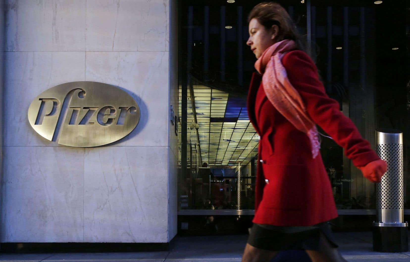 Le siège social de Pfizer à New York. La fusion avec Allergan permettra à la pharmaceutique américaine d'alléger considérablement ses coûts en impôts.