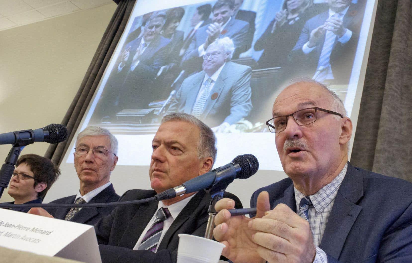 L'avocat Jean-Pierre Ménard fait partie du regroupement.