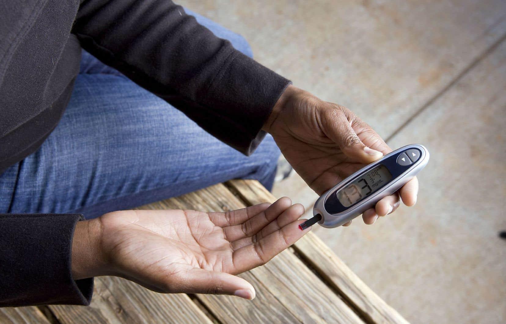 L'Espace santé personnel permet aux patients d'ajouter des informations pour mettre à jour leur dossier. Par exemple, une personne diabétique peut y noter de manière régulière les résultats de ses tests de glycémie.