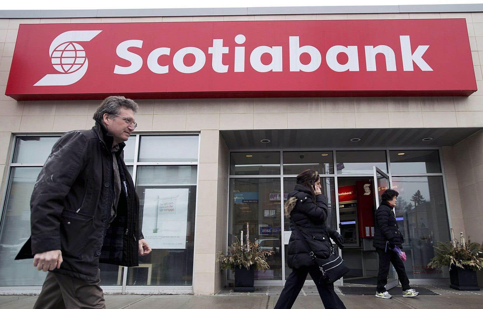 La Banque Scotia a annoncé en octobre son intention de fermer certains de ses bureaux au Canada au cours des deux prochaines années.