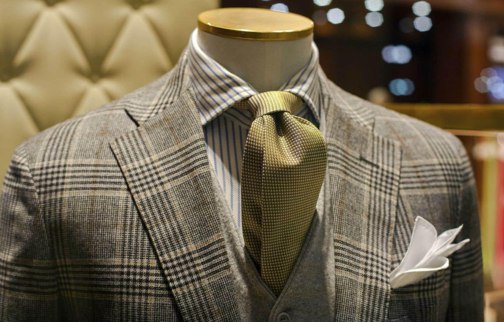 Bovet, qui avait ouvert son premier magasin il y a plus de cent ans, s'est fait connaître d'abord pour ses vêtements de travail puis pour ceux destinés aux clients « de tailles fortes et élancées ».