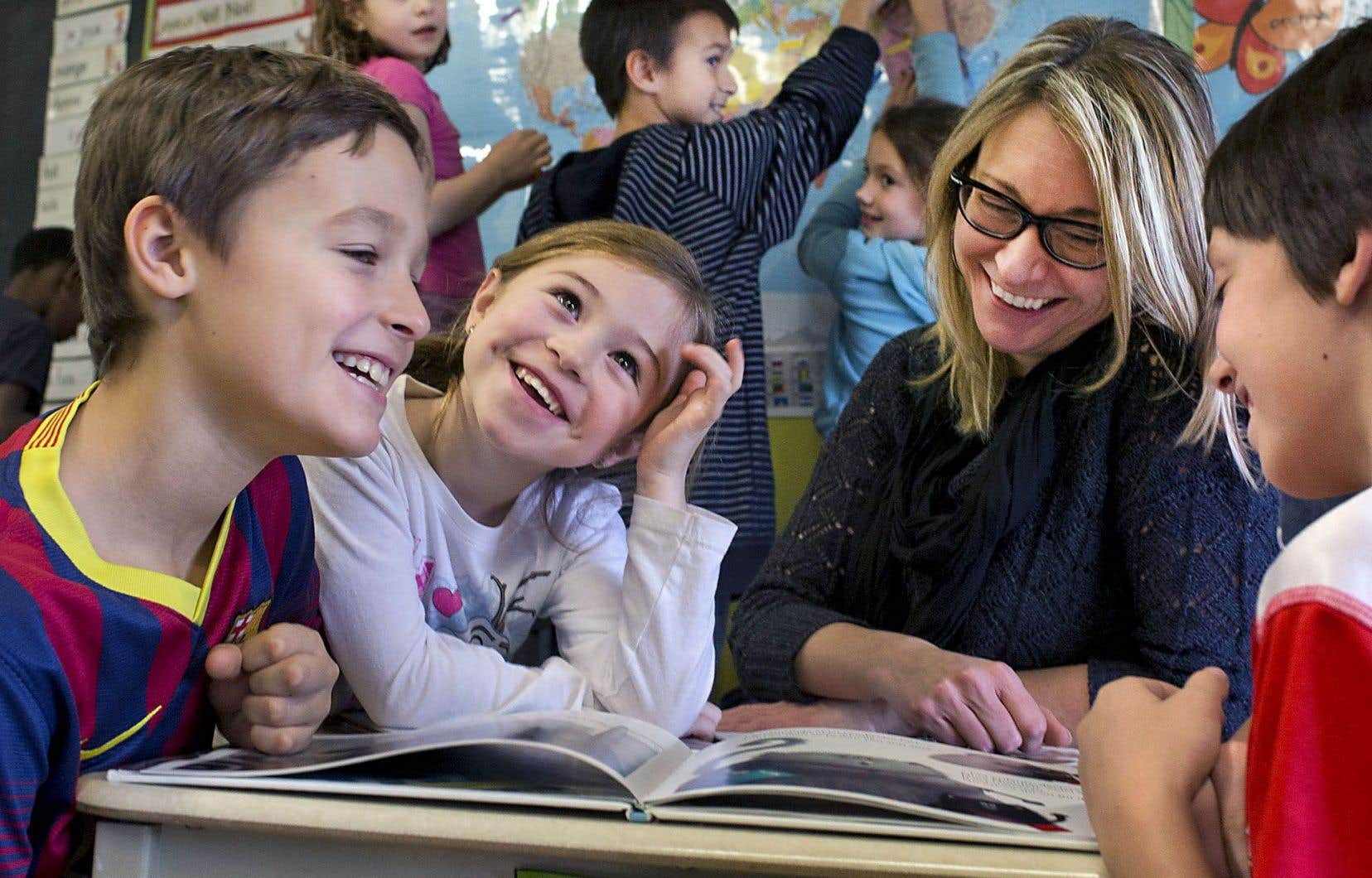 Annie Gignac sera parmi les premières à enseigner le volet alternatif à l'école Saint- Nom-de-Jésus et elle contribuera donc à le façonner.