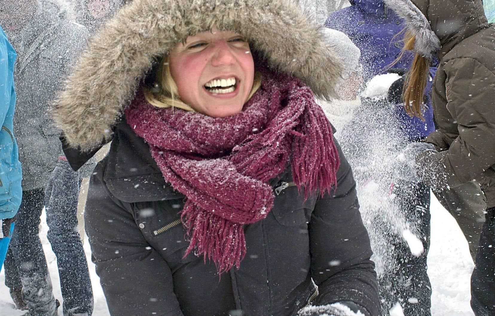 Les batailles de boules de neige (quand il y en a!) organisées dans les parcs de Montréal contribuent au nouvel hiver urbain, animé et assumé.