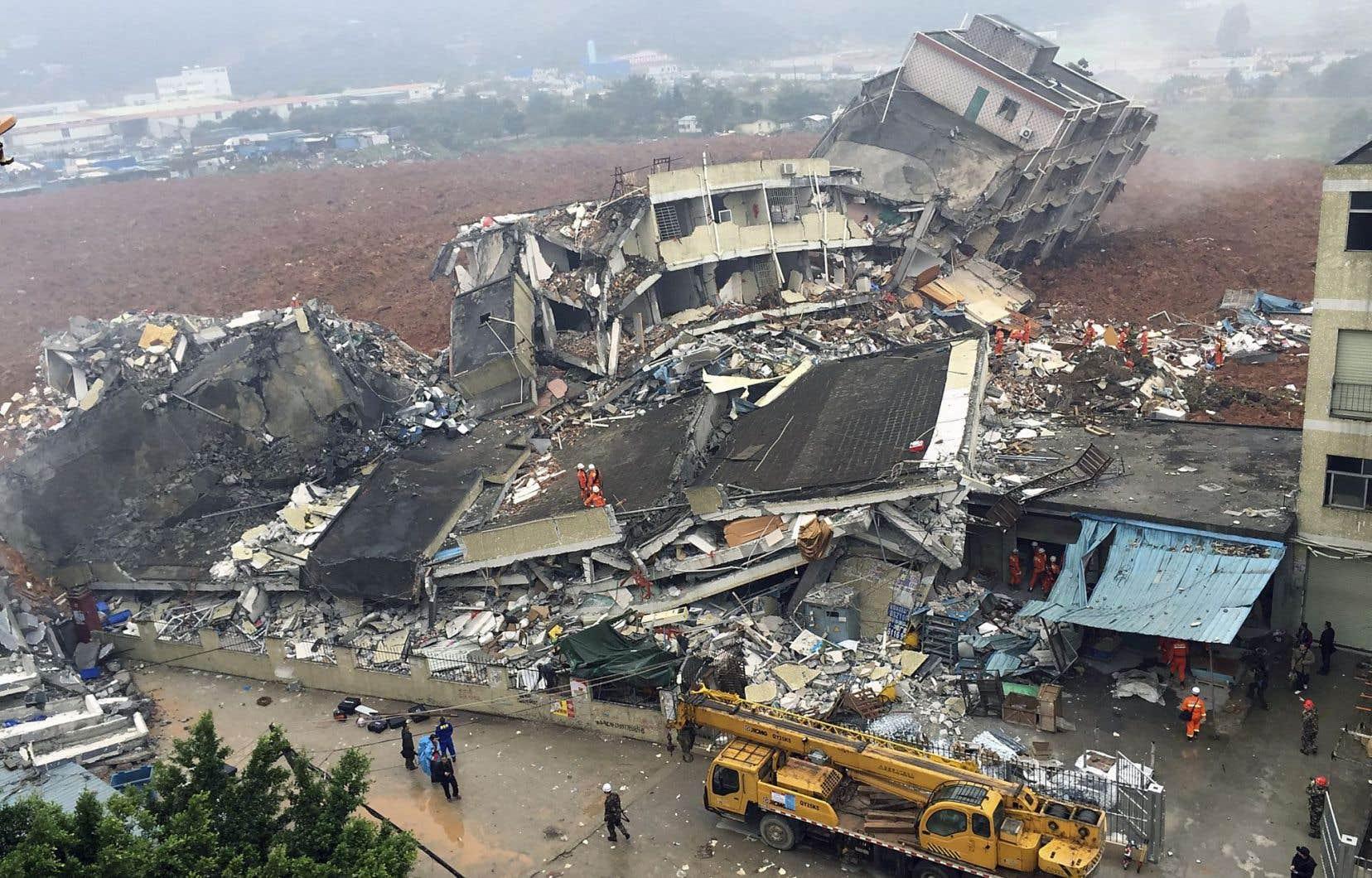 Dimanche soir, l'agence officielle Chine nouvelle a fait état de trois blessés et 91 disparus.