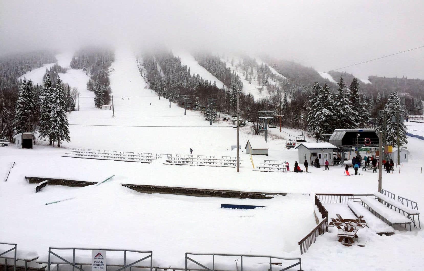 À la station Val-d'Irène, en Gaspésie, mardi. Le centre a eu droit à près de deux mètres de neige depuis le début de la saison!