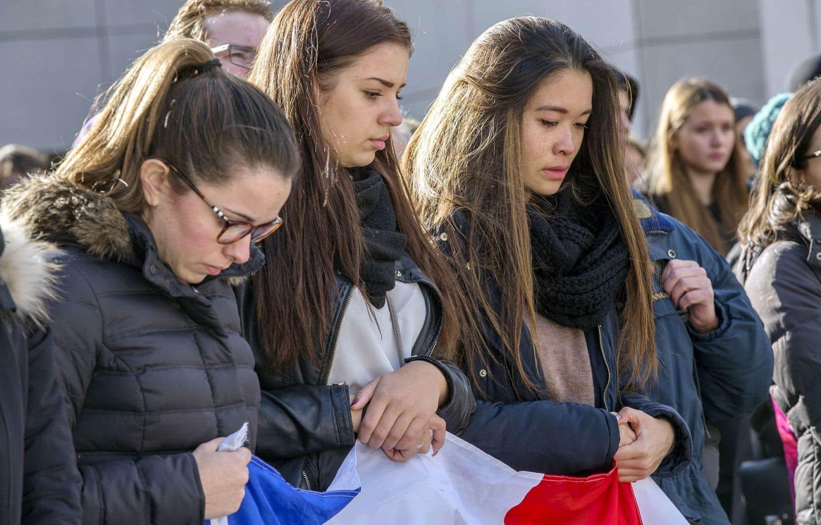 C'est parce que nous partageons plus qu'une humanité commune avec les Parisiens que notre solidarité est explosive, viscérale.