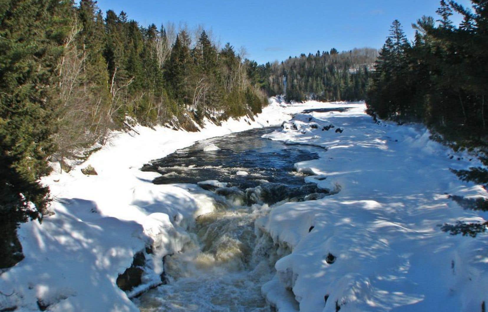 Selon l'analyse des chercheurs de Polytechnique, le pipeline pose un risque «élevé» de glissements de terrain pour plusieurs cours d'eau, dont la rivière Batiscan.