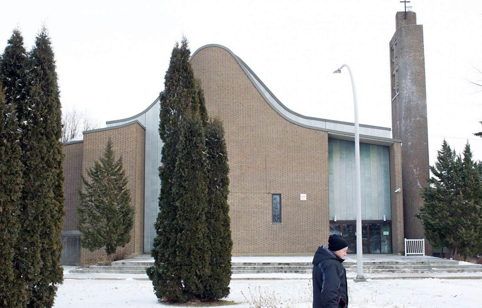 L'église Saint-Gérard-Majella, à Saint-Jean-sur-Richelieu, a une charpente en béton, mais c'est sa voûte asymétrique aux lignes courbes qui fait son originalité.