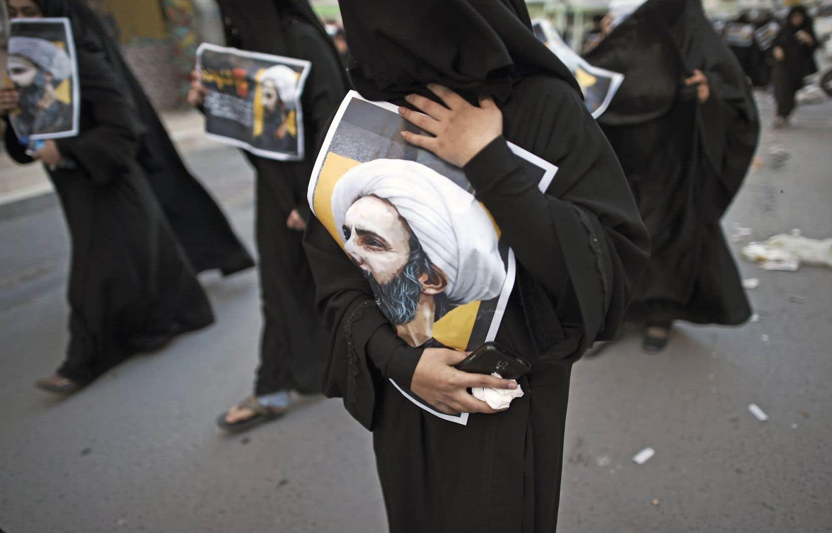 Manifestation de femmes dans le village de Jidhafs, à Bahreïn, contre l'exécution du chef religieux chiite Nimr Baqer al-Nimr