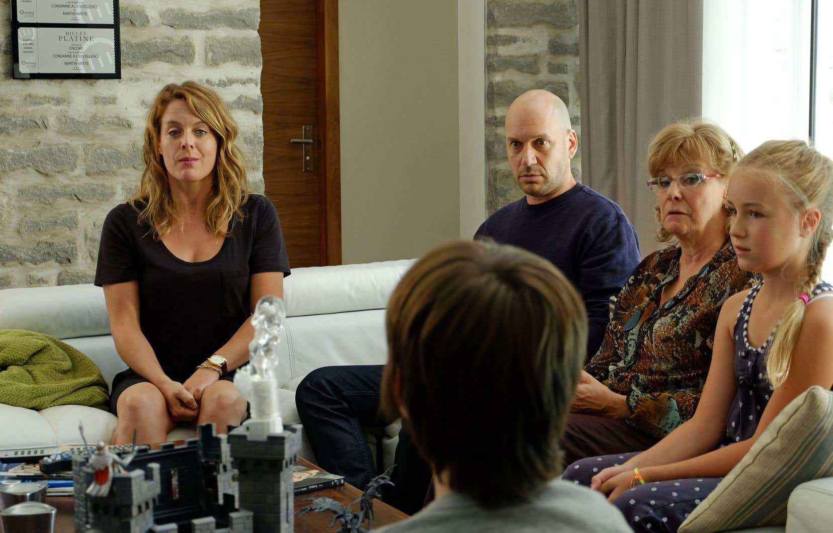 Martin Matte, concepteur et personnage pivot de la série, s'est impliqué dans la campagne publicitaire qui met en scène sa mère fictive, jouée par Michèle Deslauriers.